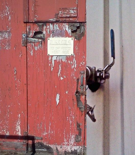 dry-valve-door